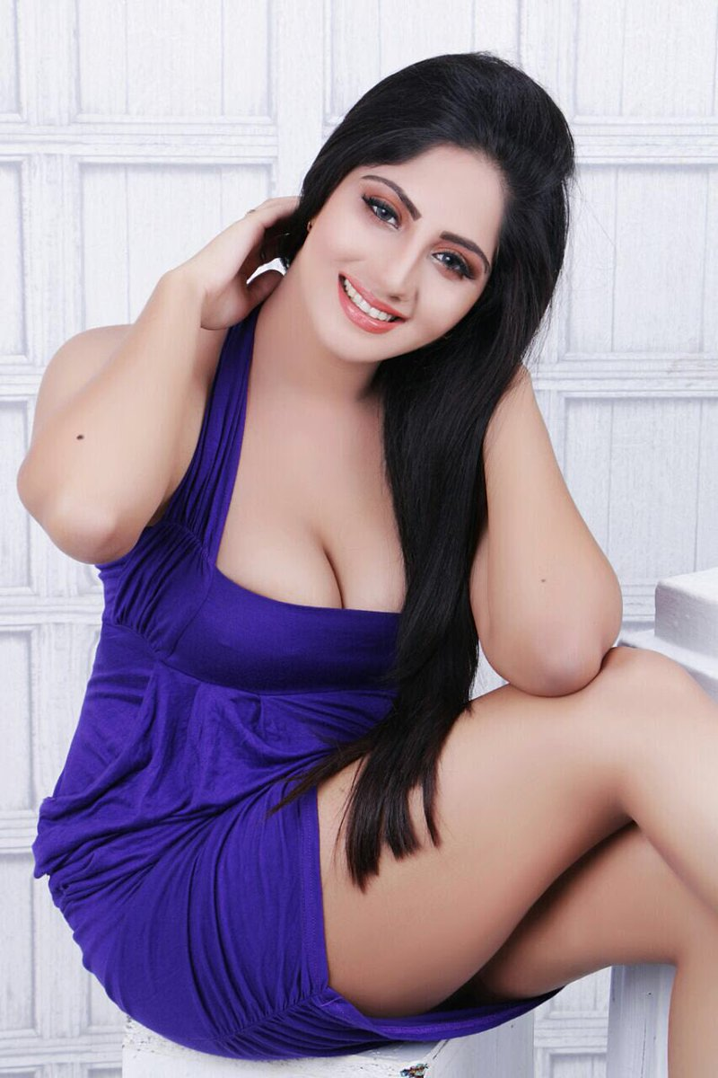 Sexy call girls service in noida